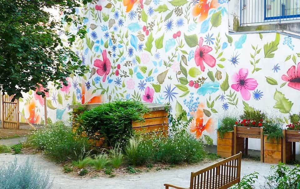Peinture murale dans un jardin potager